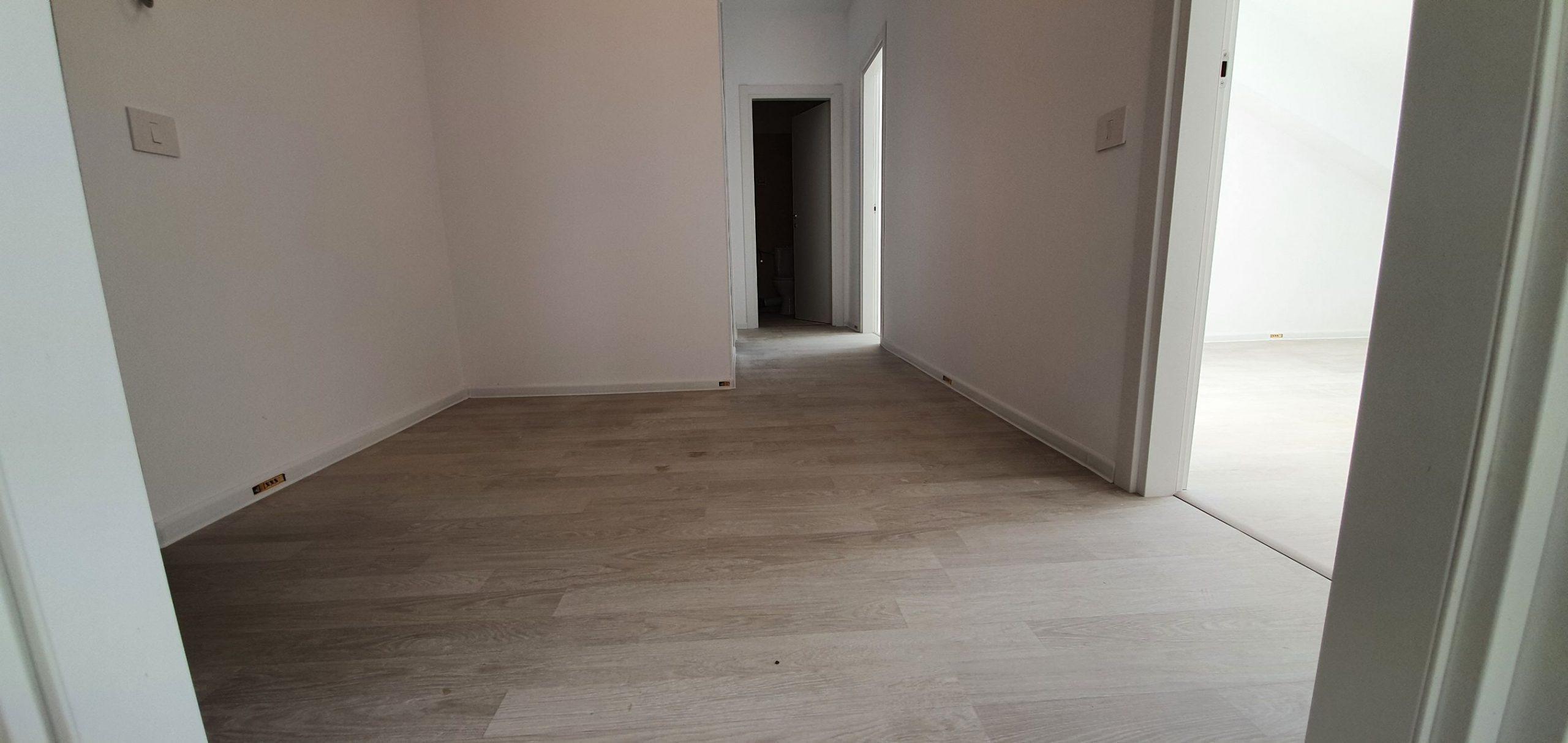 Bloc 1 - Mansarda - Apartament 22 - Hol