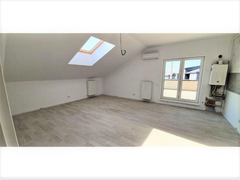Bloc 1 - Mansarda - Apartament 20 - Living