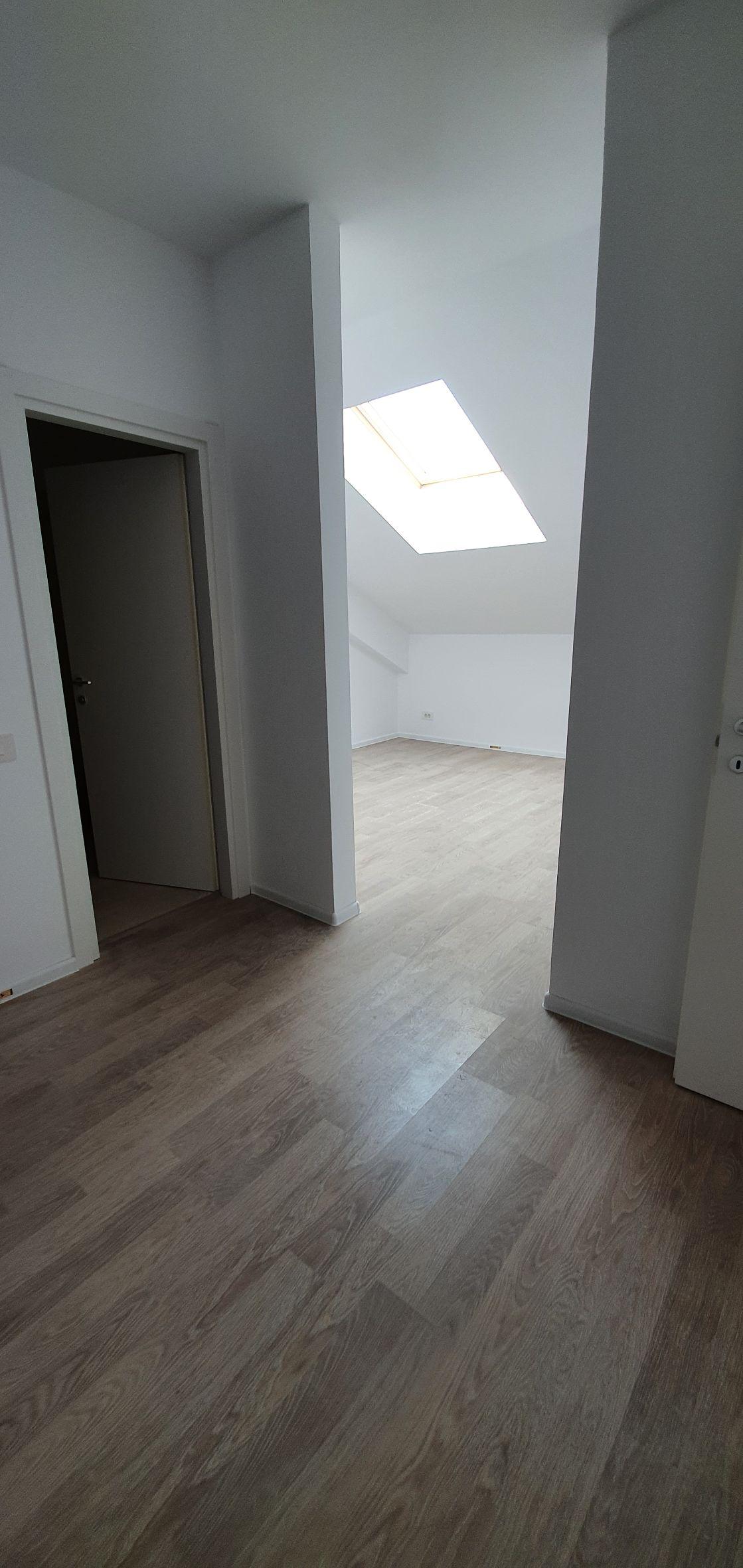 Bloc 1 - Mansarda - Apartament 22 - Dormitor matrimonial