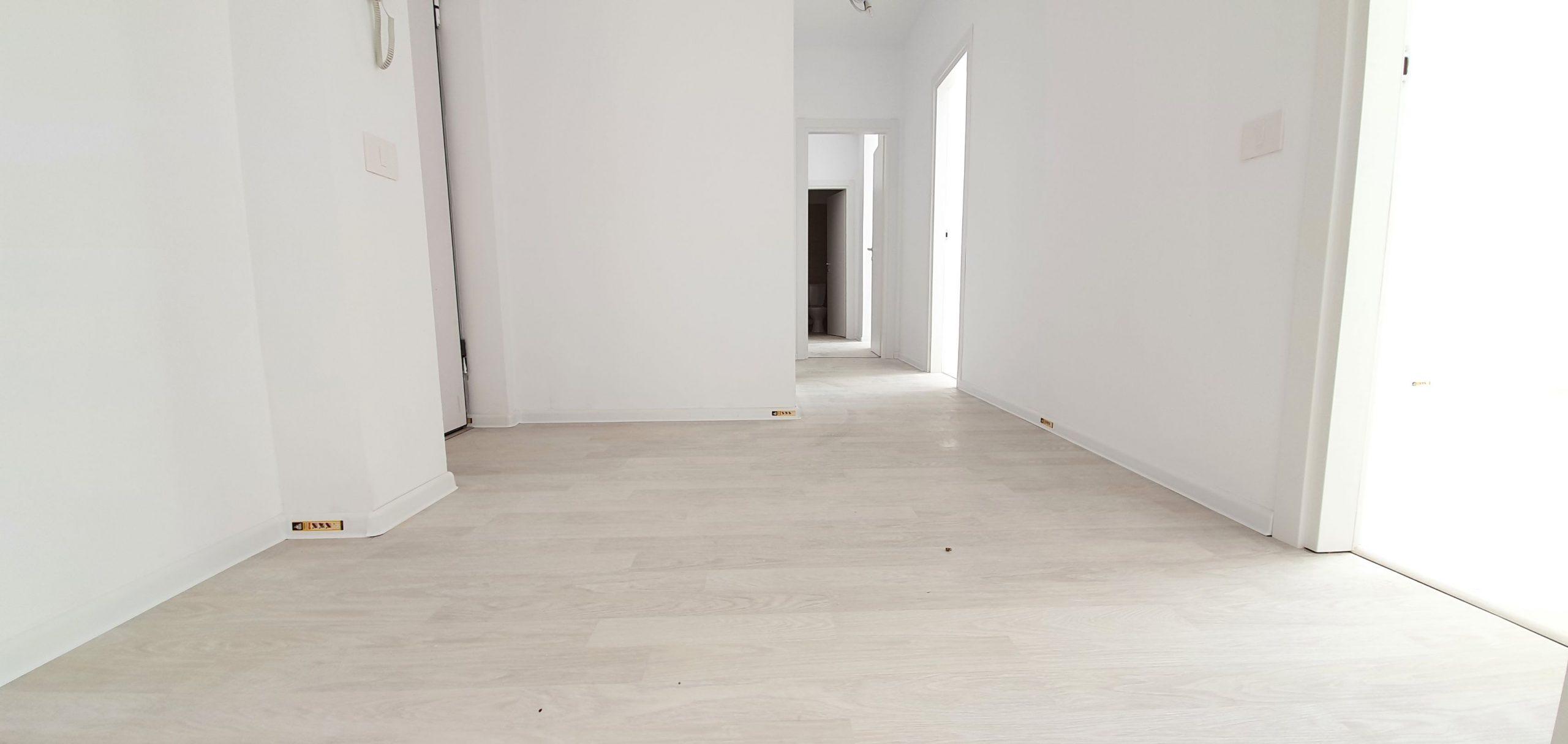 Bloc 2 - Mansarda - Apartament 17 - Hol