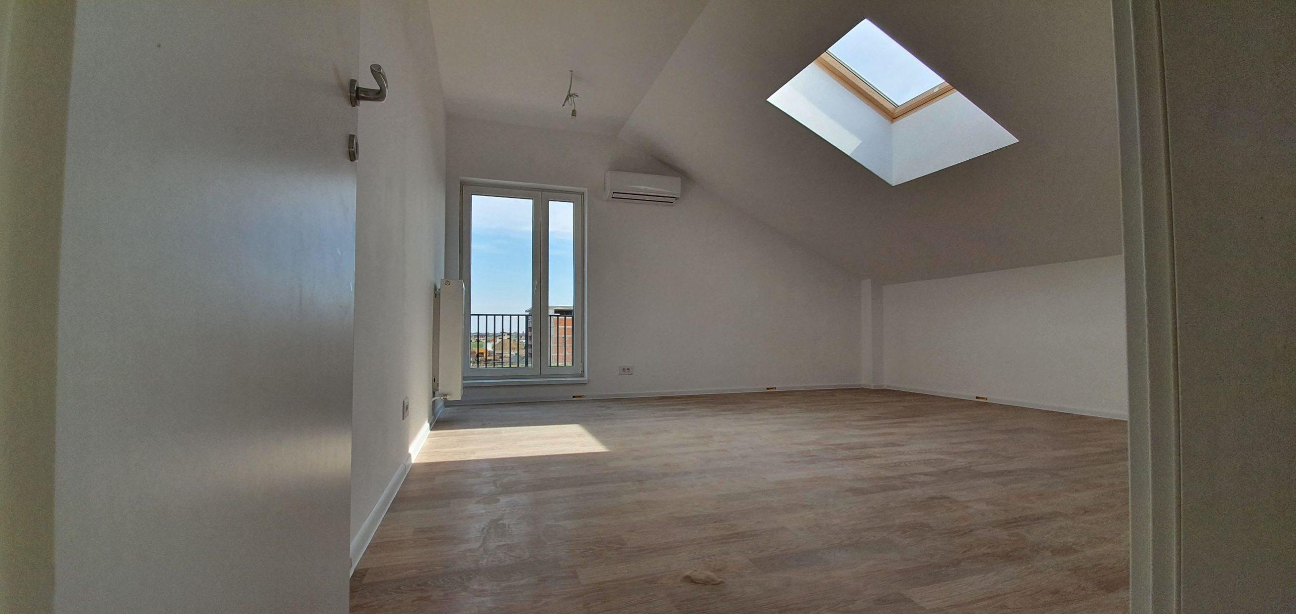 Bloc 2 - Mansarda - Apartament 18 - Living