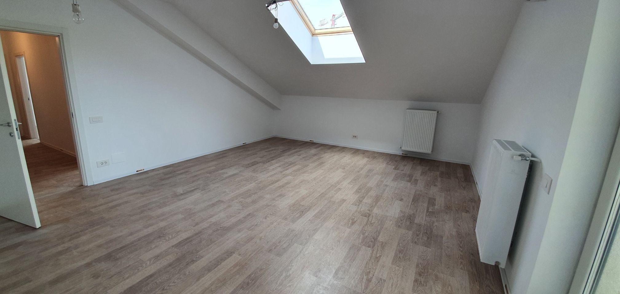 Bloc 2 - Mansarda - Apartament 19 - Living